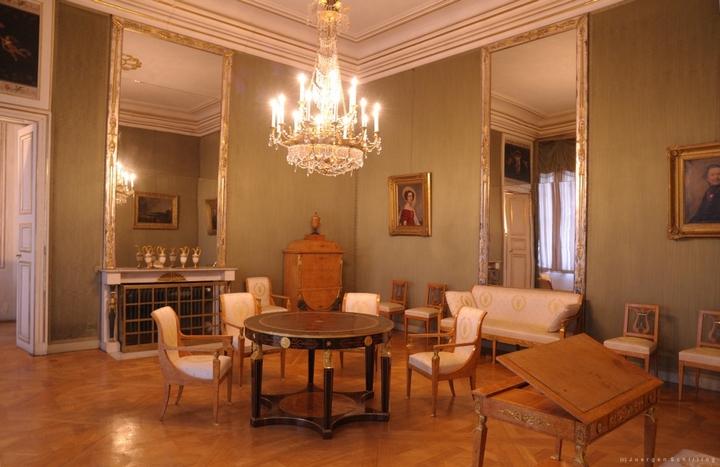 Кабинет карельской берёзы баварских королев в Нимфенбурге